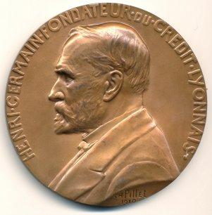 Henri Germain, fondateur du Crédit lyonnais en 1863, prônait une stricte séparation entre banque de dépôt et banque d'affaires. WIKIPEDIA.