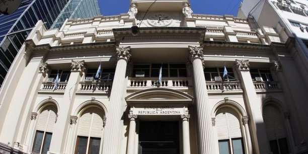 L'Argentine a de son côté porté plainte auprès de la cour pénale internationale de la Haye, accusant le juge américain d'outre-passer ses droits.