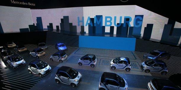 Selon le ministre des Transports allemand, Alexander Dobrindt, le plan pourrait se traduire par la vente de 400.000 voitures électriques dans les prochaines années.