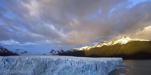 La zone arctique est également un enjeu géostratégique majeur pour tous les pays limitrophes, Etats-Unis et Russie en tête.
