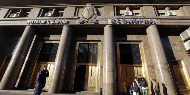 Cette décision du gouvernement argentin intervient en plein conflit juridique avec les Etats-Unis.
