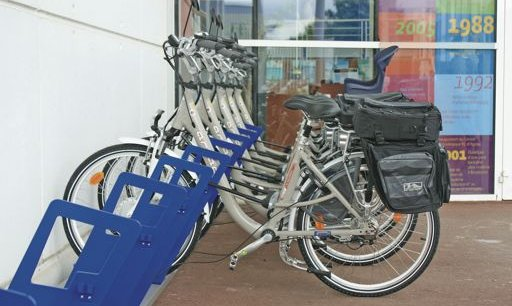 La station de vélos à assistance électrique (VAE) mis à la disposition des salariés tourangeaux de STMicroelectronics.