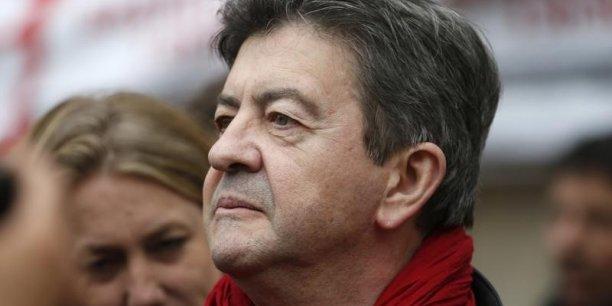 Est-ce si malheureux que ça ? À quoi bon un candidat socialiste ? Pour quoi faire ?, lance le député européen âgé de 65 ans.