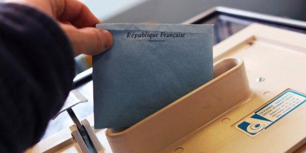 Les élections régionales auront lieu les 6 et 13 décembre.