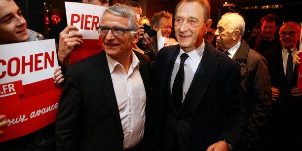 Arrivée de Pierre Cohen et Bertrand Delanoë au bar Le Télégramme, à Toulouse