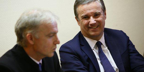 Nicolas Dupont-Aignan (à droite) en compagnie de Pascal Lesellier, candidat aux élections européennes pour la circonscription Sud-Ouest
