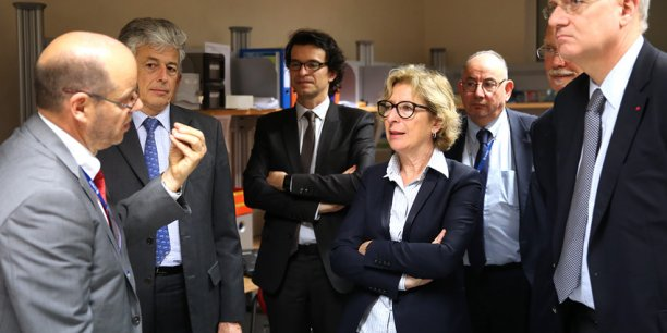 Geneviève Fioraso entourée de Marc Pircher, le préfet Henri-Michel Comet et Jean-Yves Le Gall