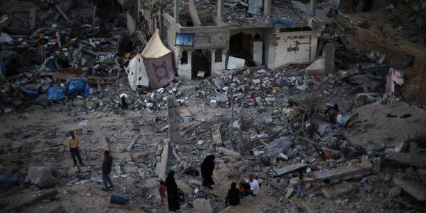 Une conférence de donateurs doit être officiellement programmée au Caire, le Hamas et le Fatah, qui administrent séparément les deux territoires palestiniens restent divisés.