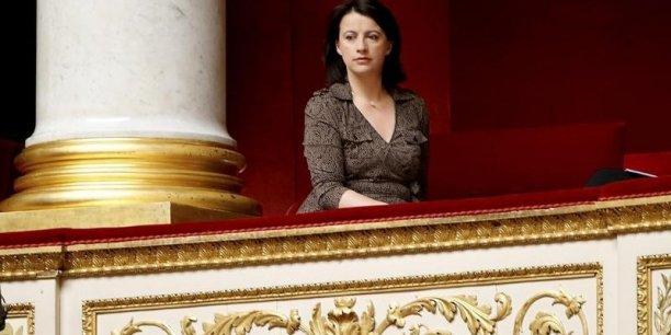 Soyons sérieux. Vous pouvez me dire comment au-delà des discours, la politique du gouvernement s'est verdie ?, s'est exclamée Cécile Duflot.