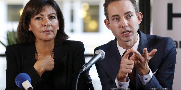 La maire de Paris Anne Hidalgo et son adjoint au Logement Ian Brossat.