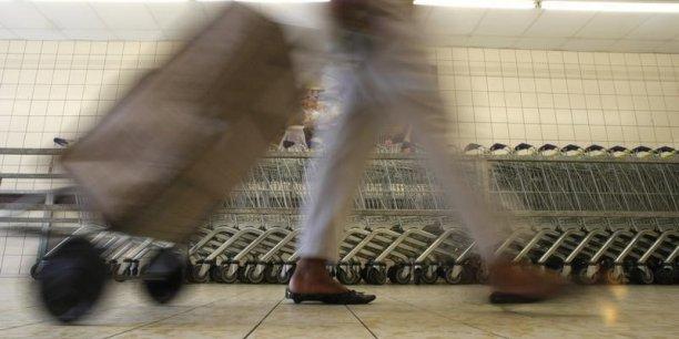 Les dépenses de consommation des ménages ont de nouveau diminué de 0,9% en octobre après 0,5% en septembre.
