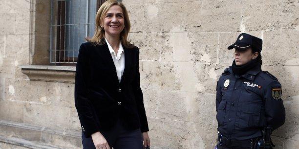 L'affaire Nóos, dans laquelle est impliquée l'infante Cristina, fournit une nouvelle source d'impopularité de la famille royale espagnole auprès de l'opinion publique.