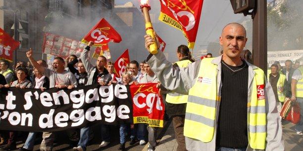 Au total, 6.120 salariés de chez PSA ont été licenciés.