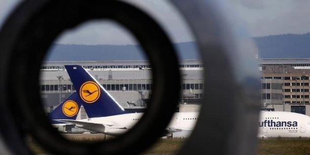 Contacté par l'AFP, un porte-parole de Lufthansa a déclaré que le groupe travaillait d'arrache-pied afin de pouvoir proposer le plus de vols possible.