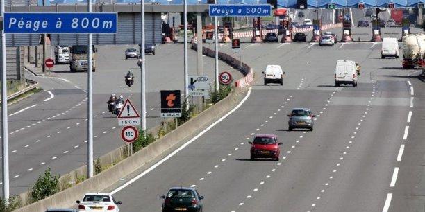 Le gouvernement s'annonçait déterminé à permettre la mise en place de voies réservées (...) pour accueillir les usagers des aéroports, en particulier les touristes étrangers, dans les meilleures conditions.