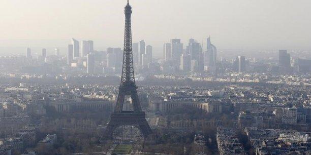 La capitale française présente notamment le plus haut niveau de dépenses de recherche et développement de toutes les villes étudiées, grâce à la présence de nombreux clusters technologiques, relève l'étude.