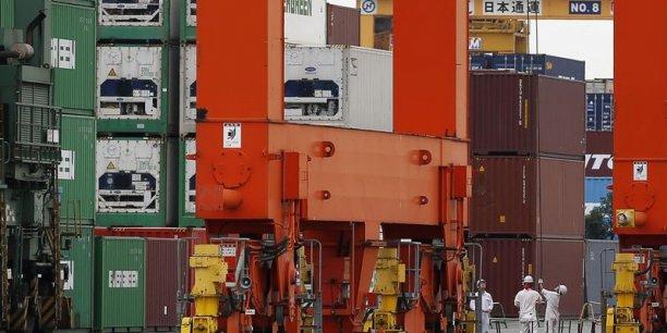 La tertiarisation des échanges dans le commerce mondial devrait rendre ses fluctuations moins marquée, d'après la Coface.