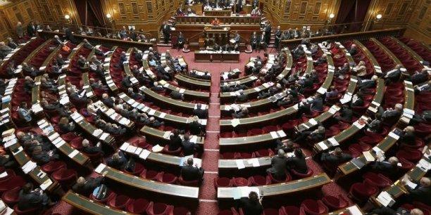 Le Sénat a refusé que les régions prennent en charge des compétences jusqu'ici détenues par les départements: voirie, collèges, etc.