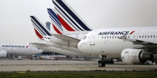 La suppresion de la taxe de l'aviation civile sur le trafic en correspondance rendrait Air France plus compétitive