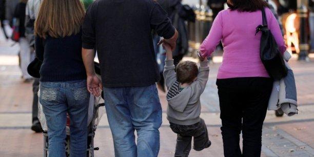 La modulation des allocations familiales pour les familles gagant plus de 6.000 euros nets mensuels permettra à l'Etat d'économiser 865 millions d'euros en année pleine.
