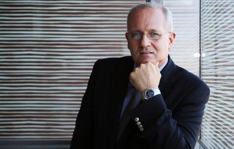 """Jean-Yves Le Gall a été """"prolongé"""" à la tête du CNES"""