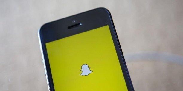Snapchat est devenu très populaire auprès des adolescents qui échangent jusqu'à 700 millions de photos éphémères par jour.