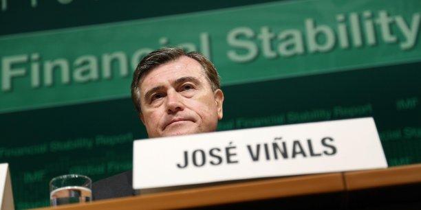 Pour l'espagnol José Vinals, directeur des marchés des capitaux au Fonds monétaire international (FMI), une sortie de la politique monétaire très accommodante des États-Unis qui soit plus chaotique que ce que prévoit le FMI pourrait entraîner l'éclatement de diverses bulles.