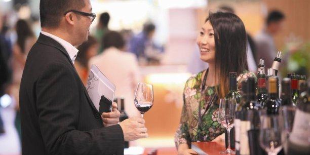 Si les exportations de vins et spiritueux ont augmenté de 8,7 % en valeur par rapport à 2014, l'évolution est à la baisse en volume avec 188 millions de caisses exportées (-3,6 %).