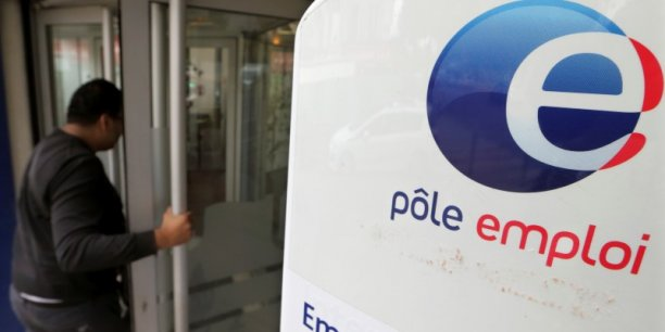 Au total, toutes catégories confondues, plus de 6,1 millions de personnes sont inscrites à Pôle emploi. Un nombre en hausse de 5,1% sur un an...