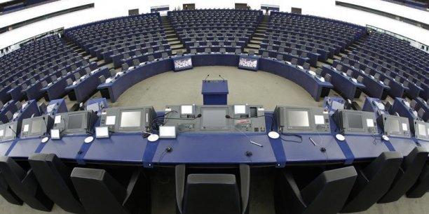Il n'y aura pas de groupe eurosceptique au parlement européen.
