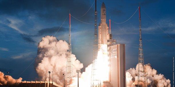 Tir lanceur Ariane 5 en 2012 au centre spatial de Kourou en Guyane