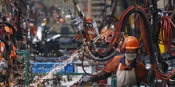 La production industrielle des trois derniers mois a reculé de 0,6% par rapport à la même période un an plus tôt.