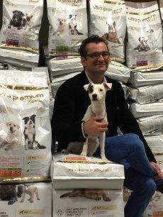 Avec Natura Plus Ultra, Matthieu Wincker a fait le pari qu'en supprimant les intermédiaires, il pouvait proposer meilleur et moins cher aux chiens, et bientôt aux chats.