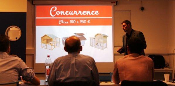 86 porteurs de projets ont pitché lors du premier round du concours organisé par Lyon Startup. Ici Thomas Poizat, fondateur de Roule ma poule, qui propose l'adoption de poules par les particuliers.