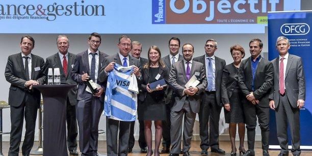 Martin Bouygues a remis le Trophée finance et gestion à Anne-Laure Merillou (groupe Valade)