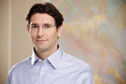 Après quinze années d'expérience dans les nouvelles technologies, acquises chez McKinsey puis chez Bessemer Venture Partners, Philippe Botteri a rejoint Accel Partners en 2011, où il est associé au sein du bureau londonien de la société américaine de capital-risque.