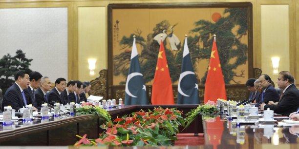 Le Premier ministre pakistanais Nawaz Sharif a supervisé la signature d'accords et de memorandums, principalement dans le domaine de l'énergie, lors d'un entretien avec le président chinois Xi Jinping à Pékin.