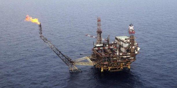 Une pénurie des capacités de stockage du pétrole est fort peu probable, juge l'AIE.