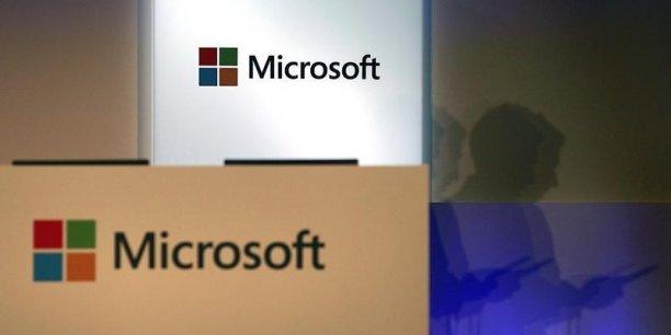 Microsoft a notamment profité ces derniers mois à Wall Street de l'élan apporté par son nouveau directeur général, Satya Nadella: depuis l'arrivée de ce dernier en février, le cours de l'action a augmenté de 34%.