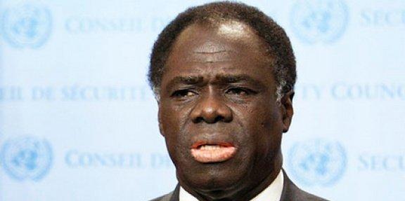 Ancien ambassadeur, ancien ministre des affaires étrangères, Michel Kafando, 72 ans, devient président du Burkina Faso par intérim.