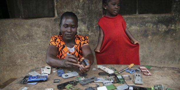 Concernant la téléphonie mobile, les plus mal lotis sont les Malgaches et les Guinéens, qui sont respectivement 29% et 28% à ne pas y avoir accès.