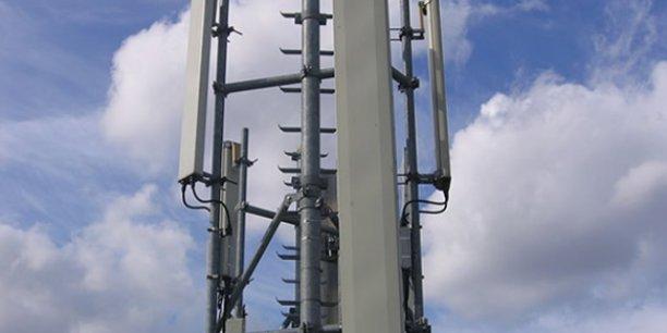 Bouygues Telecom, Numericable-SFR et Orange, qui détiennent déjà des fréquences basses, ne pourront pas acheter plus de deux blocs. Mais Free pourrait en acquérir jusqu'à trois.