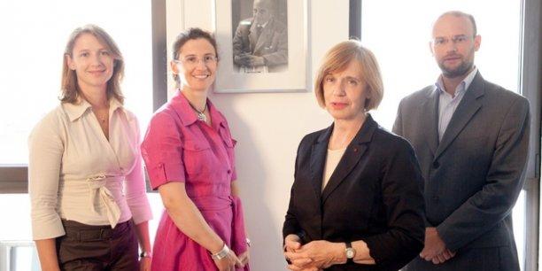 Élizabeth Ducottet, dirige Thuasne depuis 1991. Ses enfants, Delphine, Anne-Sophie et Matthieu ont également rejoint l'entreprise.