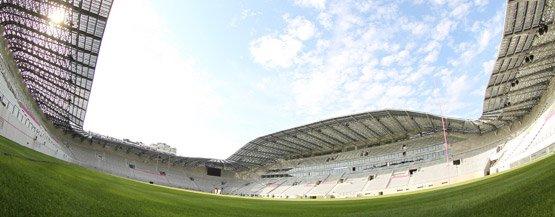 Un joli terrain de jeux dans l'une des plus belles constructions de Paris, le stade Jean-Bouin entièrement redessiné et reconstruit par Rudy Ricciotti.