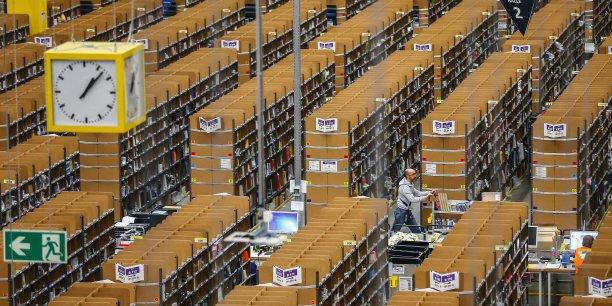 On peut bien sûr considérer qu'Amazon offre un meilleur service, des prix moins chers, plus de choix et des délais plus courts, par exemple en comparaison des librairies physiques. Mais celles-ci permettent in fine d'accéder à peu près aux mêmes produits, bien que le service de commande puisse être plus long ou les prix plus chers.
