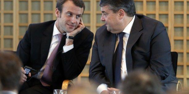 Emmanuel Macron et Sigmar Gabriel, président du parti social démocrate allemand (SPD) plaident pour moins de rigueur en Europe