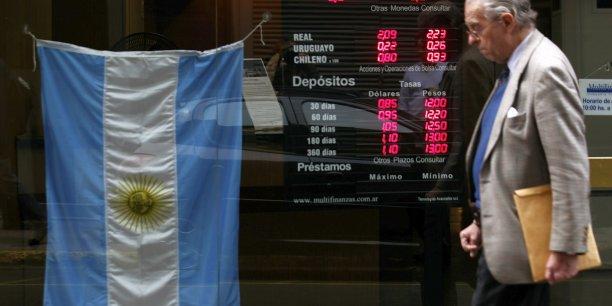 Cette faible croissance de l'Amérique latine s'explique notamment par un recul du PIB de l'Argentine anticipé à -0,2% en 2014.