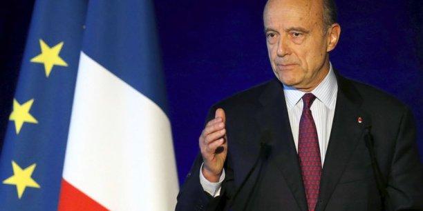Le maire de Bordeaux est perçu favorablement par une majorité des sondés, avec 48% de bonnes opinions contre 38% de mauvaises et 14% ne se prononçant pas ou ne le connaissant pas.