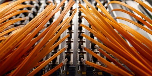L'accès au haut débit est devenu une priorité depuis quelques années en France. Le Plan très haut débit a vocation à offrir à tous les Français un accès THD (c'est-à-dire au-delà de 30Mb/s) à horizon 2022.