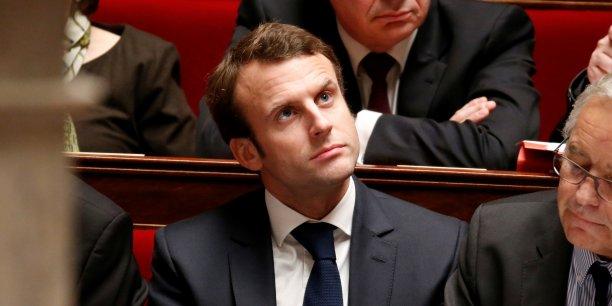 Le projet de loi du ministre de l'Economie Emmanuel Macron cite la concurrence d'internet pour justifier l'extension des ouvertures des magasins le dimanche.
